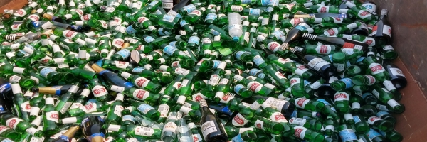 How do I estimate the amount of waste at my event?